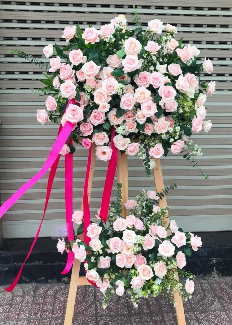 Kệ hoa hồng kem 2 tầng